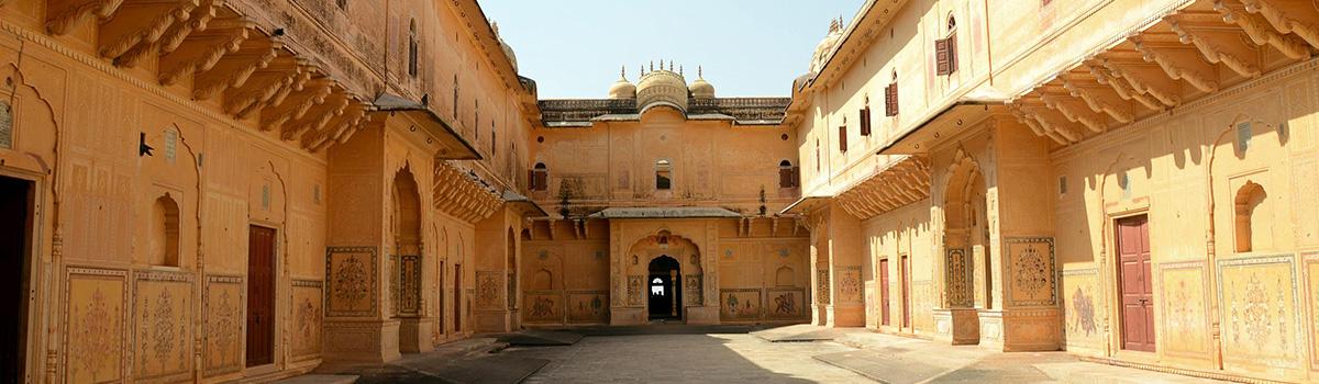 10-Jaipur-Nahargarh-Fort-Courtyard